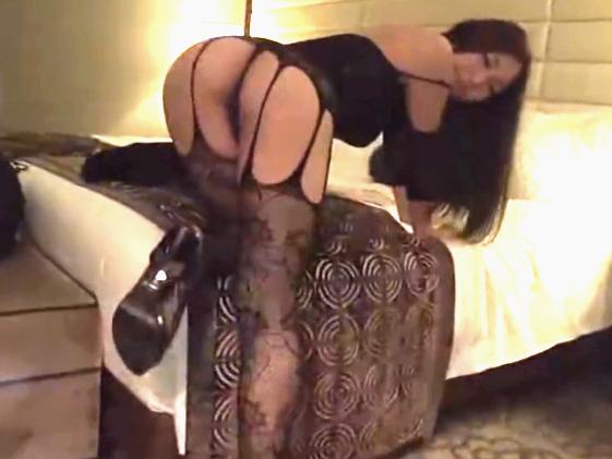 《佐倉ねね》エッチな下着姿の巨乳JDが可愛い美尻をフリフリしてセックスのお誘い♡淫らに腰を振りグラインド騎乗位で搾り取る!